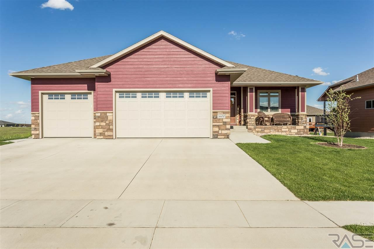 1600 S Andrew Ave, Sioux Falls, SD 57106