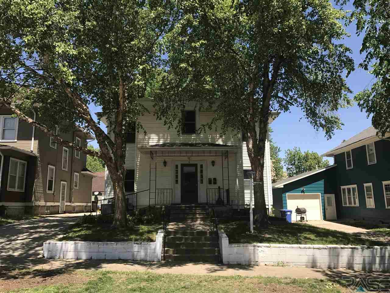 826 W 2nd St, Sioux Falls, SD 57104