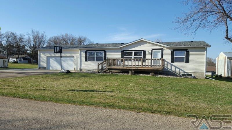 109 E 6th Ave, Humboldt, SD 57035