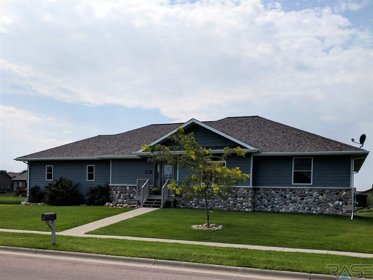 2909 S Rutgers Ave, Sioux Falls, SD 57106