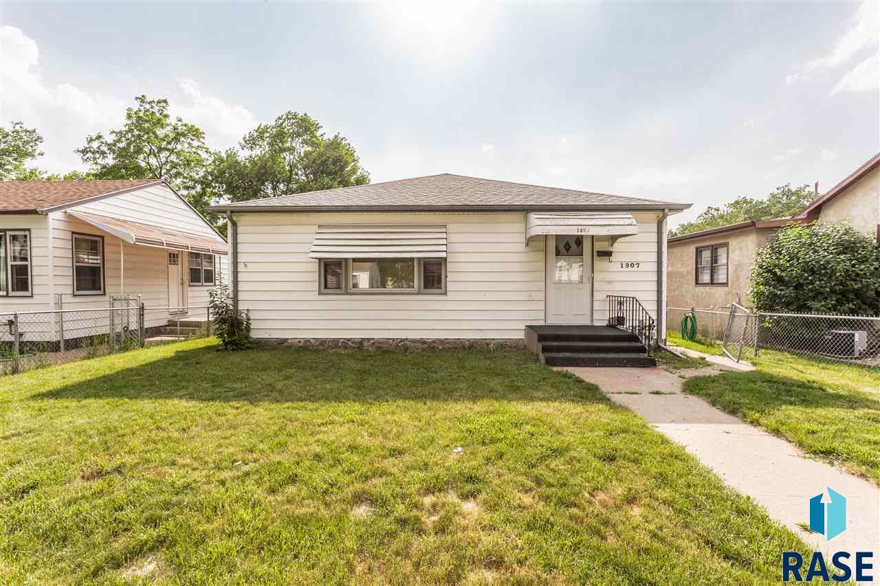 1907 S Menlo Ave, Sioux Falls, SD 57105