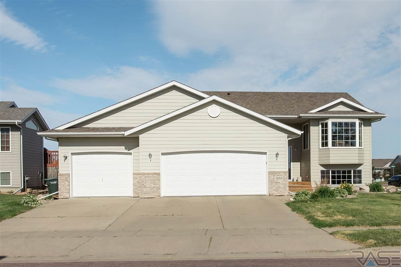 4820 Dunlap Ave, Sioux Falls, SD 57106