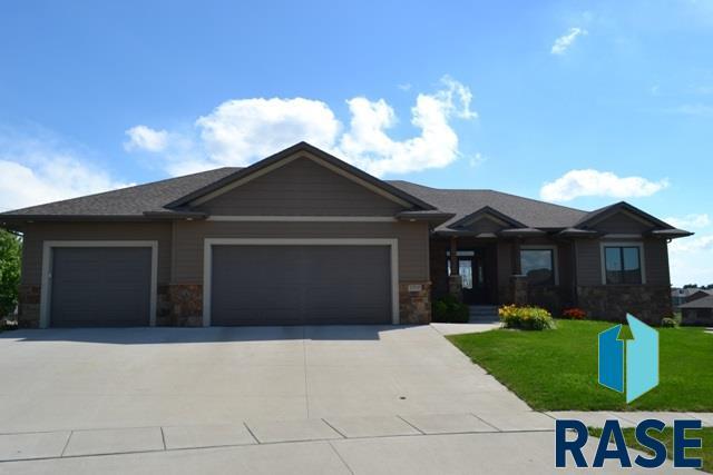 7709 W Benelli Cir, Sioux Falls, SD 57106