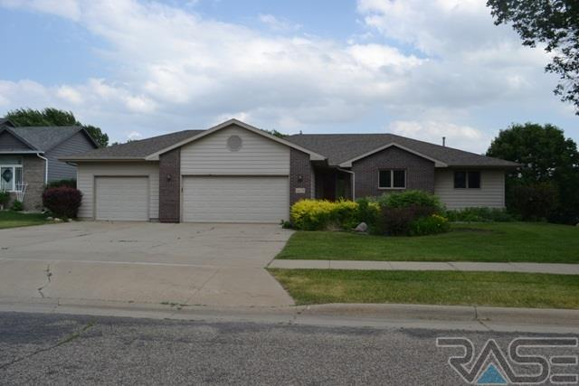 1408 S Snowberry Trl, Sioux Falls, SD 57106