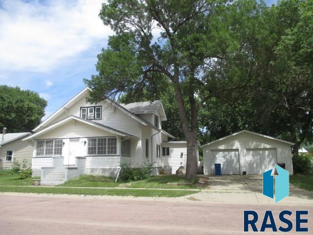 412 S Cedar St, Lennox, SD 57039