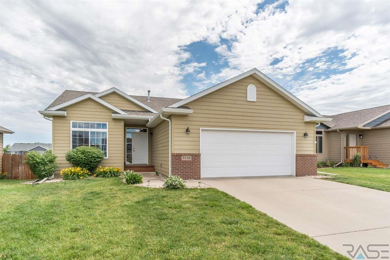 5516 W Oakcrest Dr, Sioux Falls, SD 57107