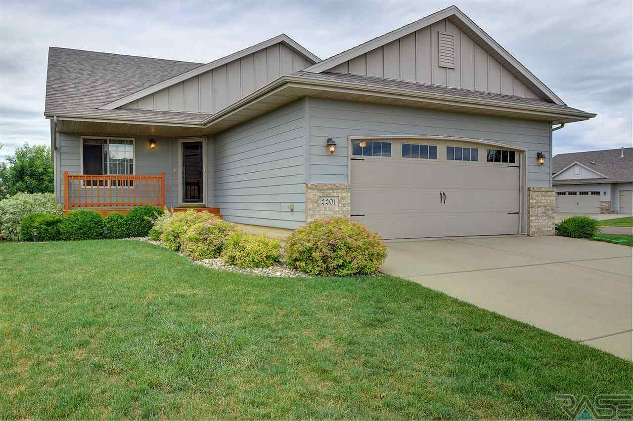 2201 S June Ave, Sioux Falls, SD 57106