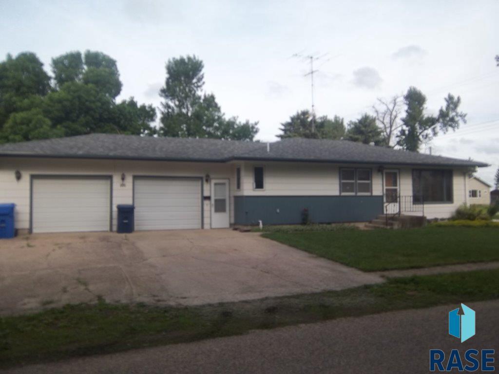101 S Dakota Ave, Steen, MN 56173