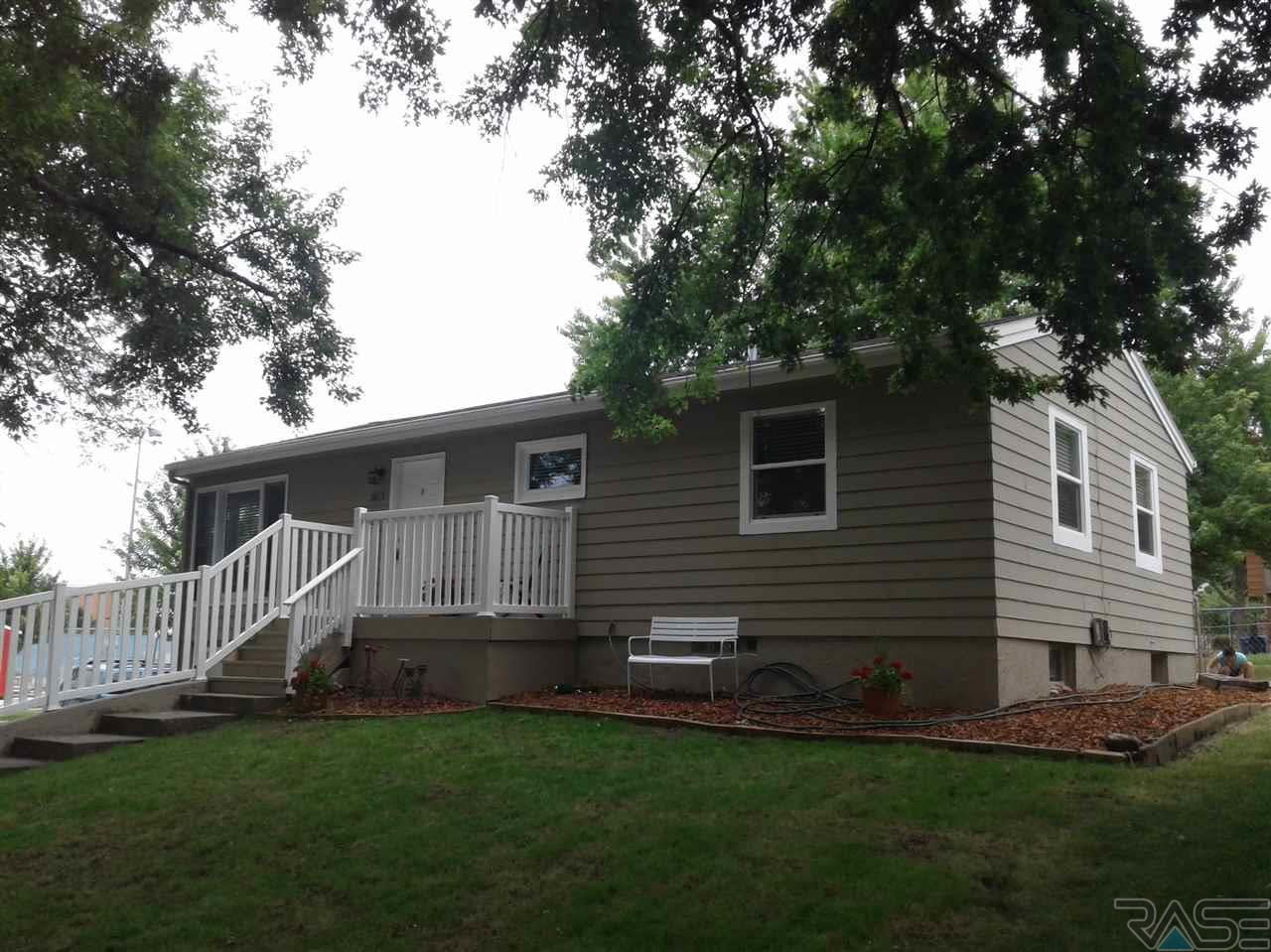 2613 S Van Eps Ave, Sioux Falls, SD 57105