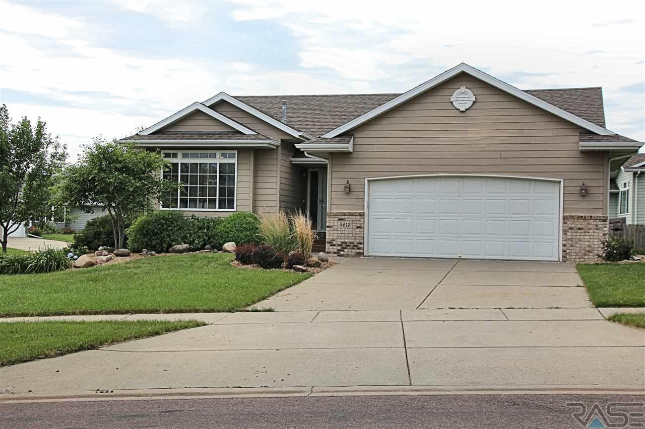 4613 S Galway Ave, Sioux Falls, SD 57106