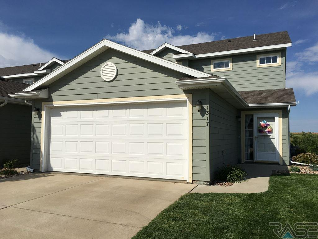1317 N Fir Pl, Sioux Falls, SD 57107