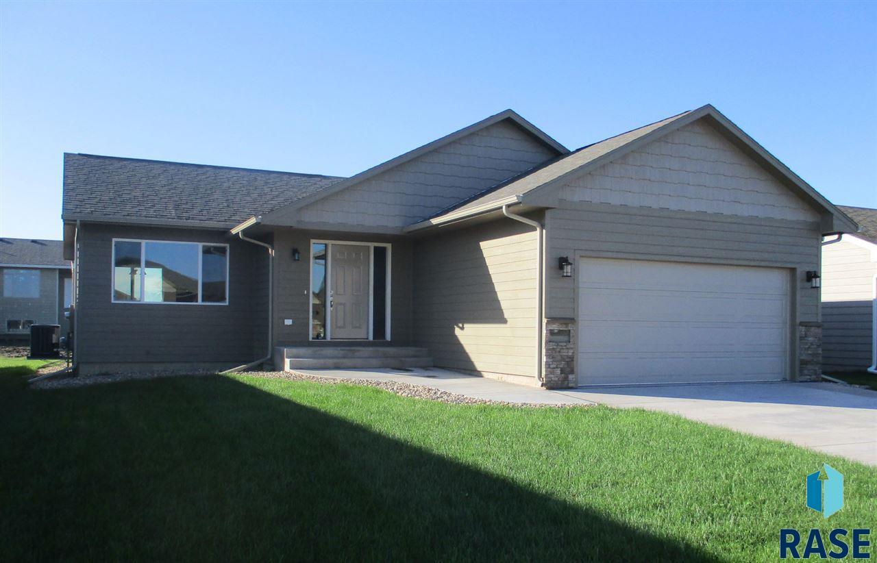3309 E Brewster St, Sioux Falls, SD 57108