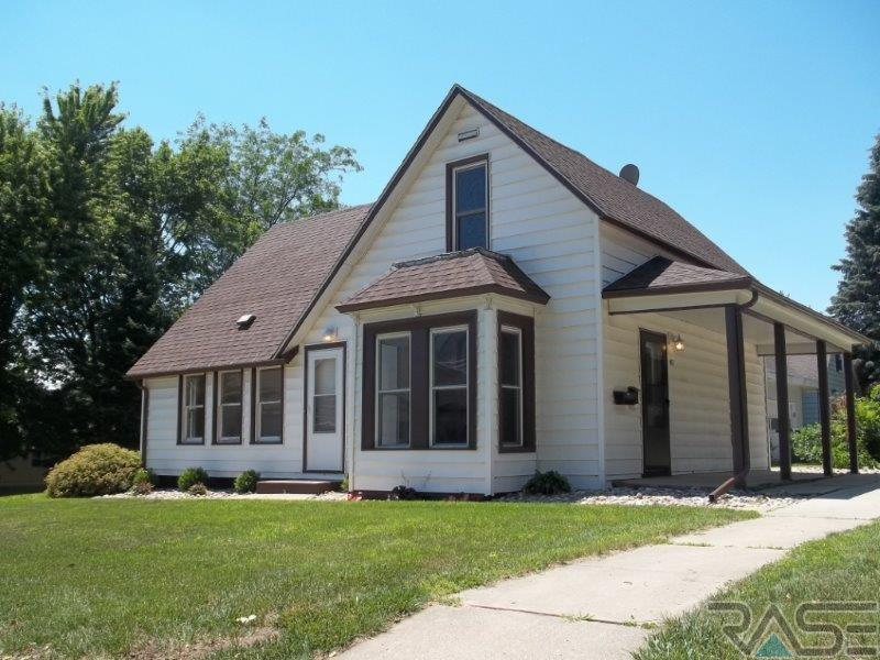 417 W Lincoln St, Luverne, MN 56156