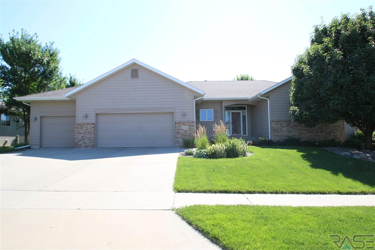6320 S Wicklow Ave, Sioux Falls, SD 57108