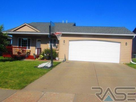 512 S Whitewood Ave, Sioux Falls, SD 57107