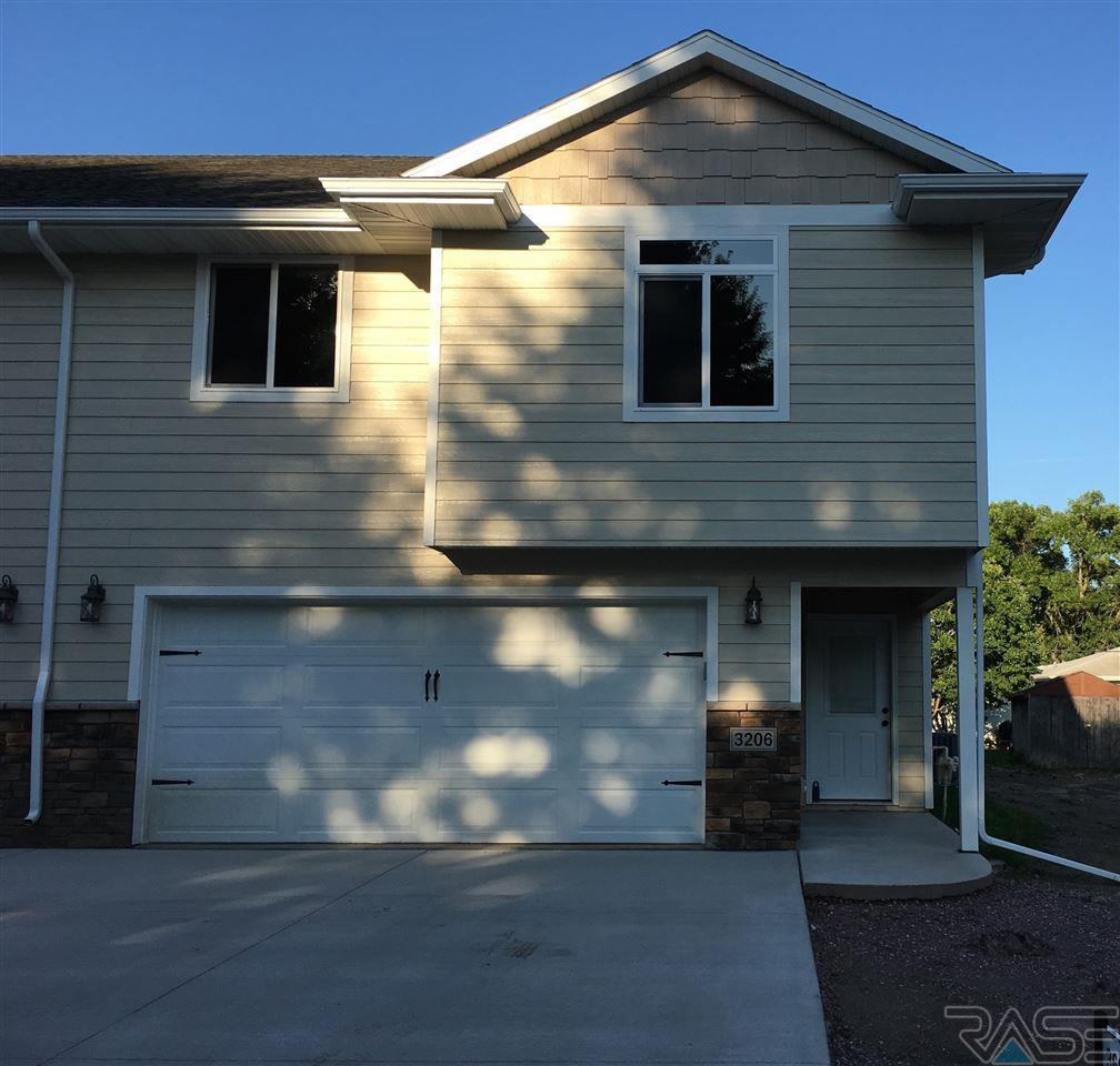 3206 S Elmwood Ave, Sioux Falls, SD 57105