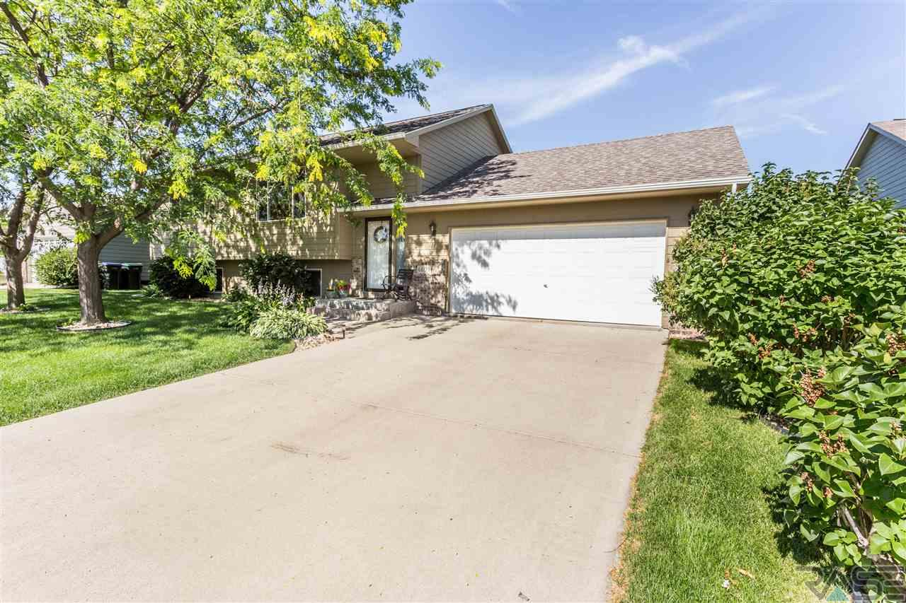 6609 S Hughes Ave, Sioux Falls, SD 57108