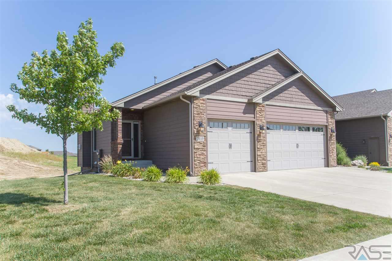 7419 Grand Arbor Ct, Sioux Falls, SD 57108