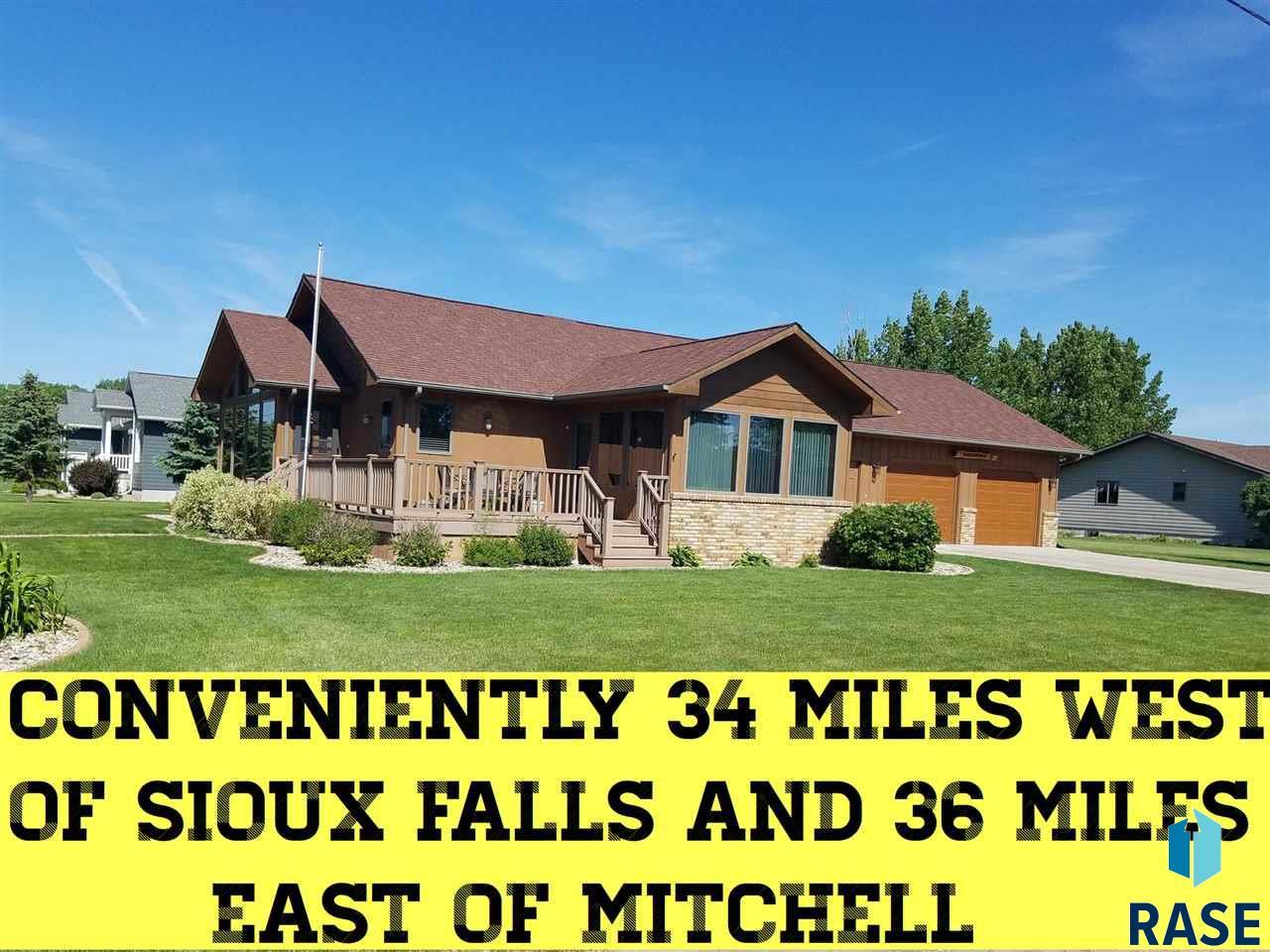 541 S Hill St, Salem, SD 57058