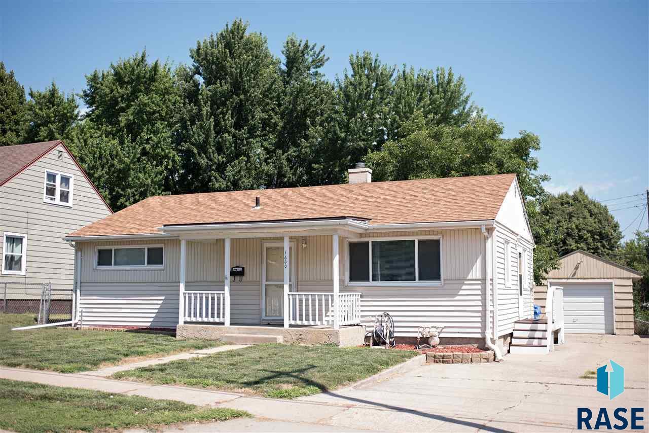 1600 E 26th St, Sioux Falls, SD 57105