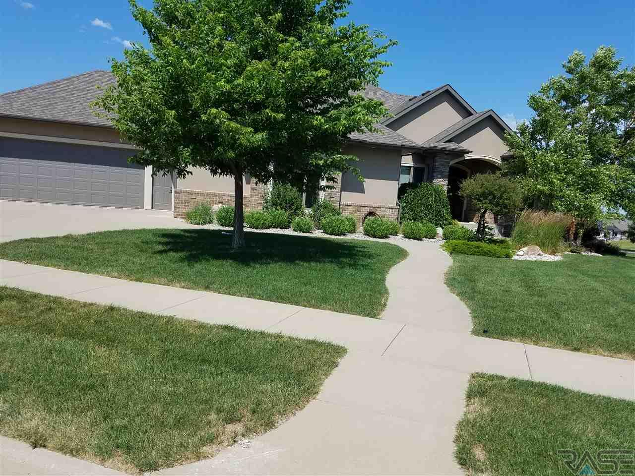 6901 S Dalston Ln, Sioux Falls, SD 57108