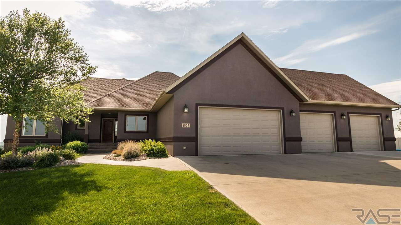 1005 N Sioux Blvd, Brandon, SD 57005