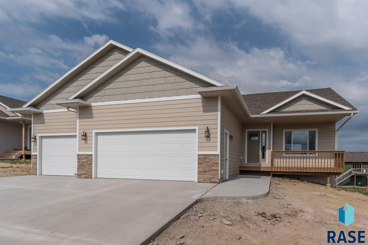 1109 N Broken Bow Ave, Sioux Falls, SD 57103