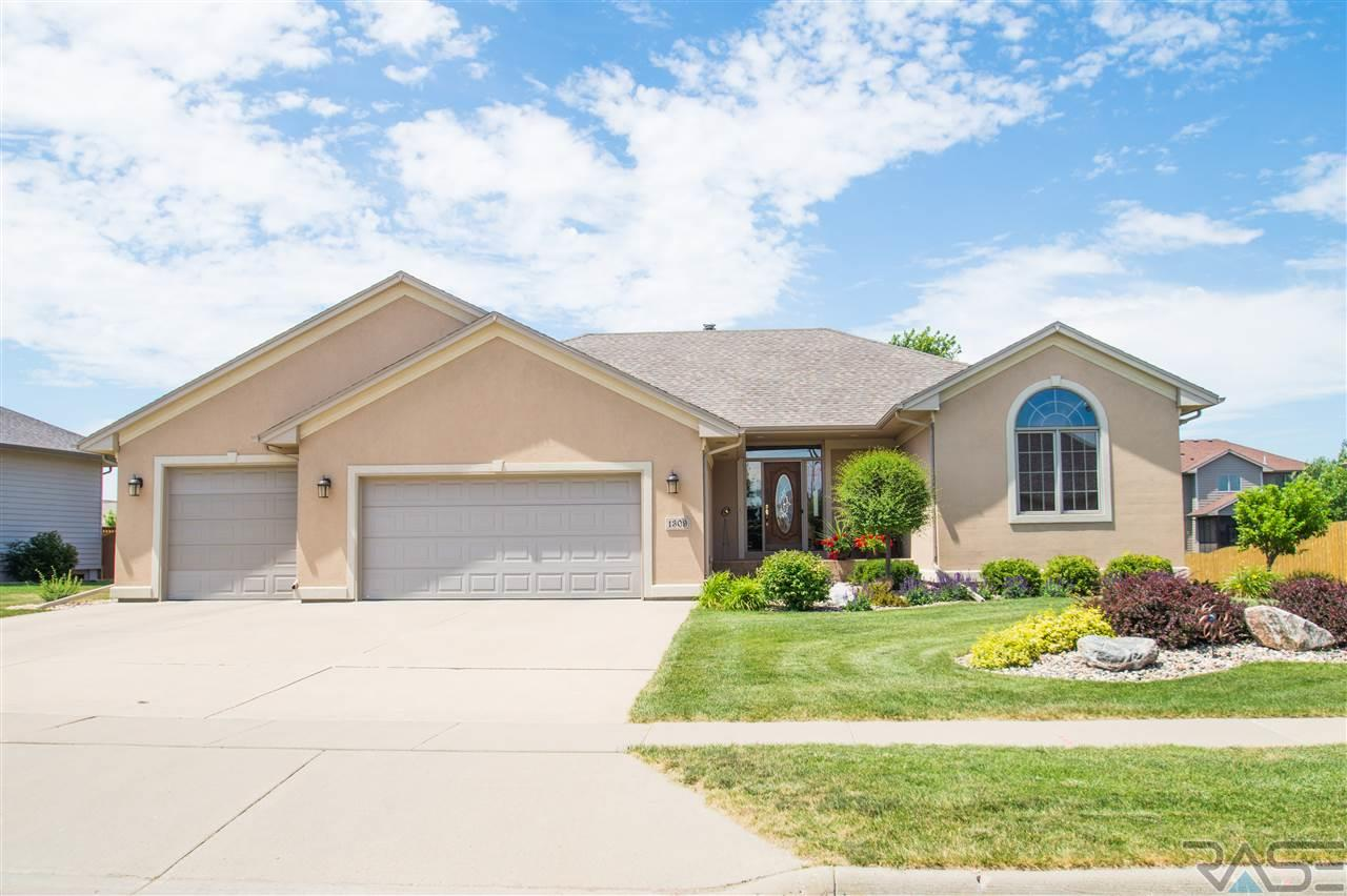 1309 S Lindenwald Dr, Sioux Falls, SD 57106