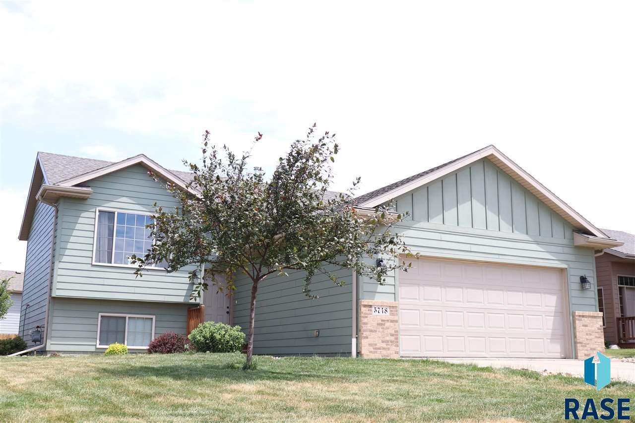 5748 W Bream Ct, Sioux Falls, SD 57107