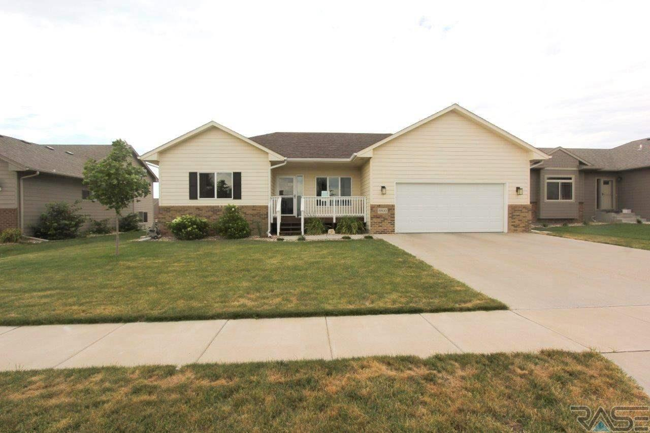 8900 W Wiseman Cir, Sioux Falls, SD 57106