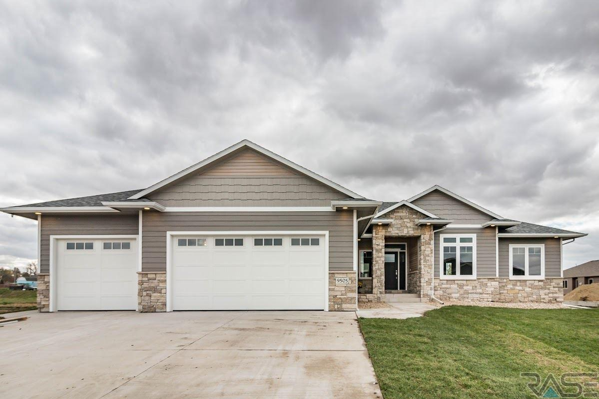 9505 W Dragonfly Dr, Sioux Falls, SD 57107