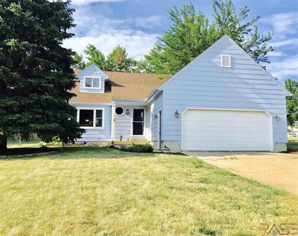 4512 E Oak St, Sioux Falls, SD 57103
