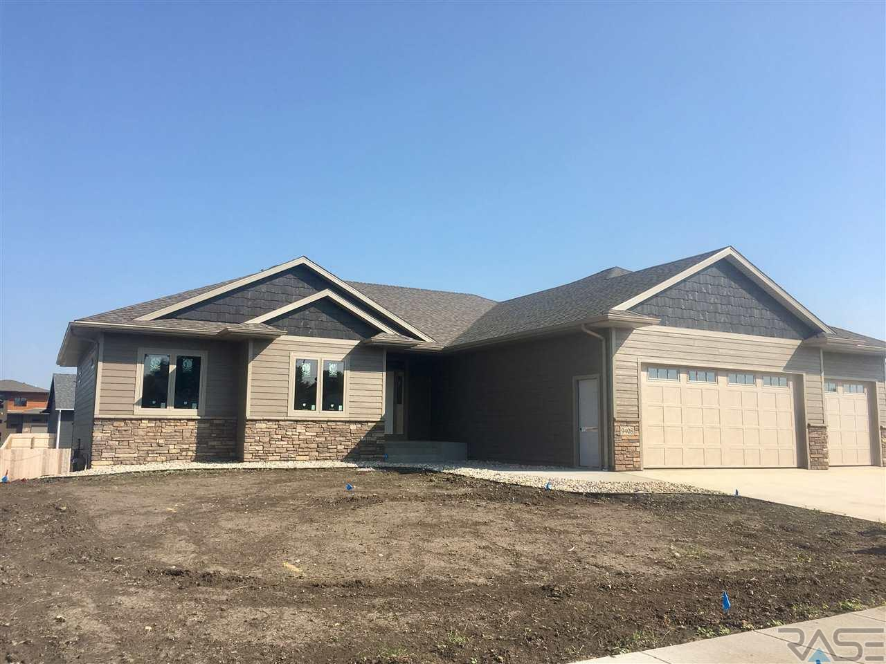 9408 W Kingfisher Dr, Sioux Falls, SD 57107