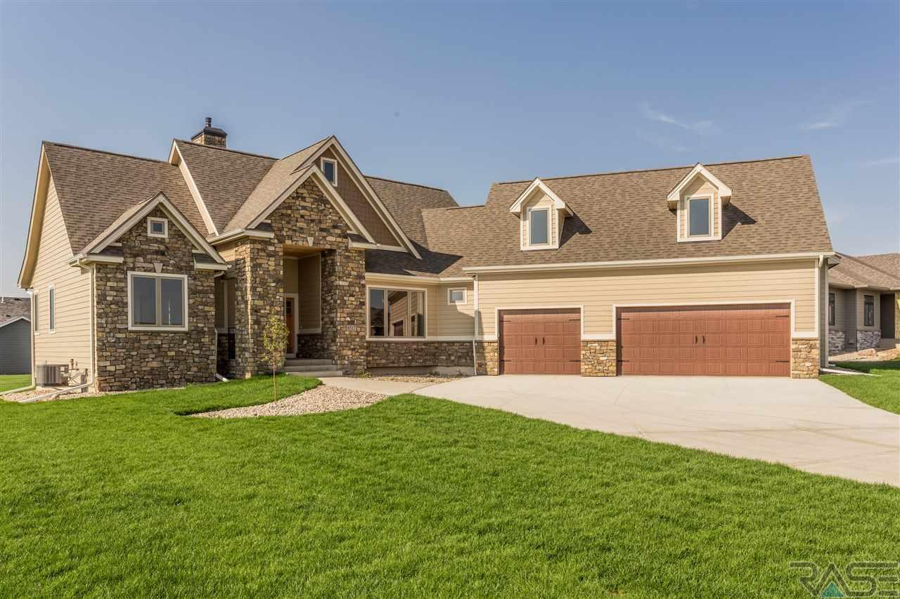 8517 E Willow Leaf St, Sioux Falls, SD 57110