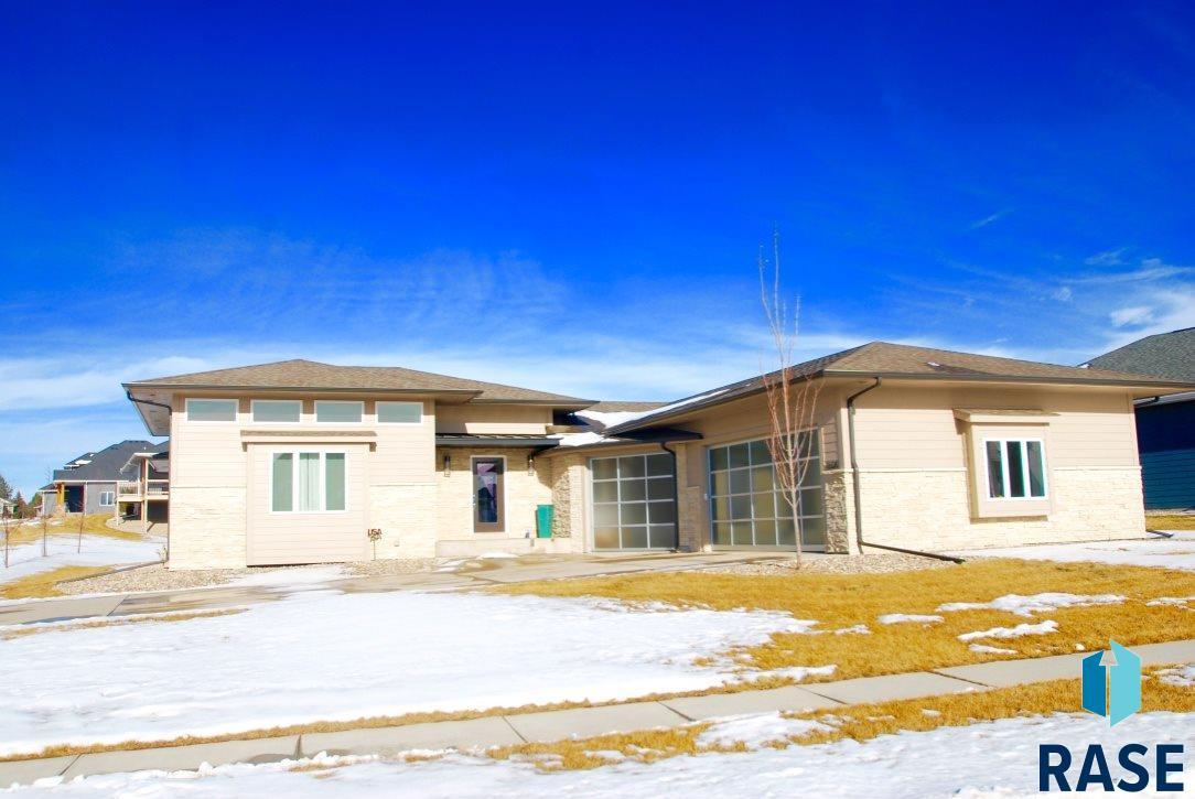 8600 E Sassafras St, Sioux Falls, SD 57110