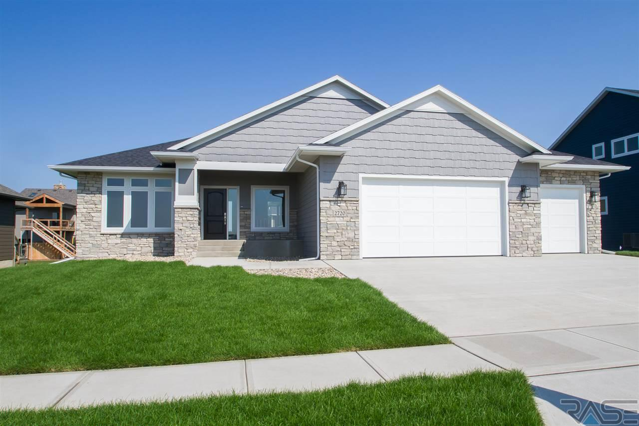 2720 S Moss Stone Ave, Sioux Falls, SD 57103