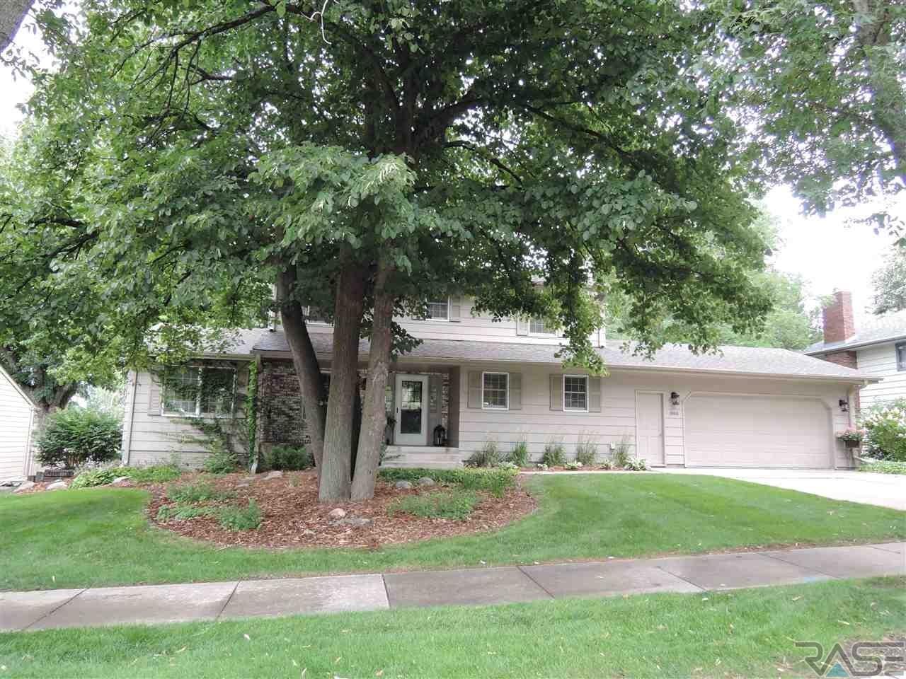 3908 S Lewis Ave, Sioux Falls, SD 57103