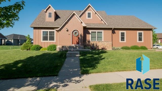 601 S Scarlet Oak Trl, Sioux Falls, SD 57110