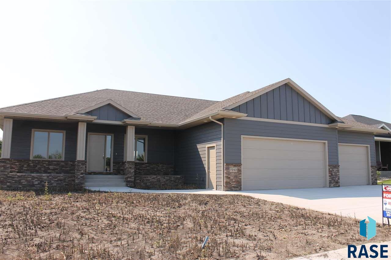 7212 Garden Ct, Sioux Falls, SD 57108