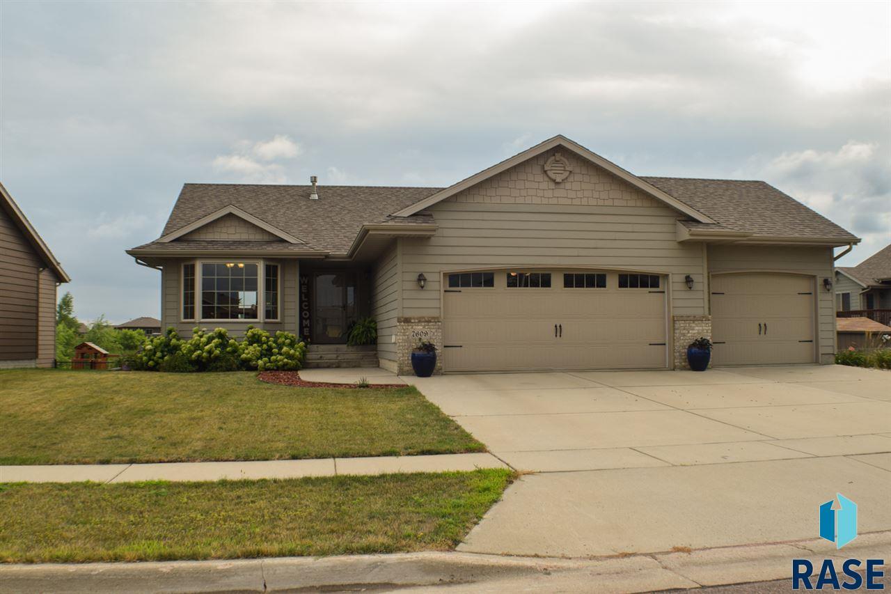 7609 W Wilson Dr, Sioux Falls, SD 57106