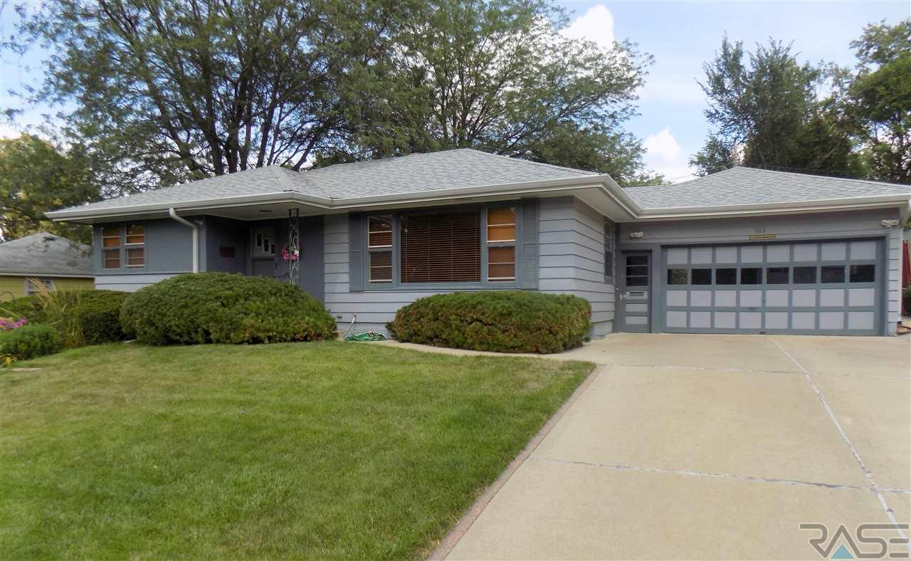804 S Roberts Dr, Sioux Falls, SD 57104