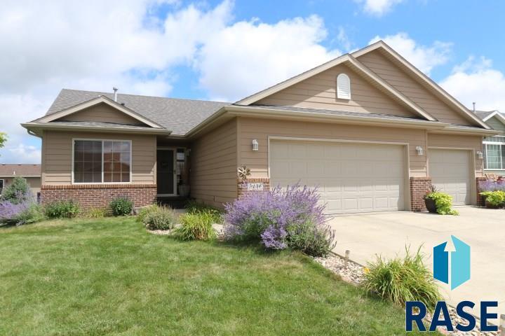 5616 W Hemlock Dr, Sioux Falls, SD 57107