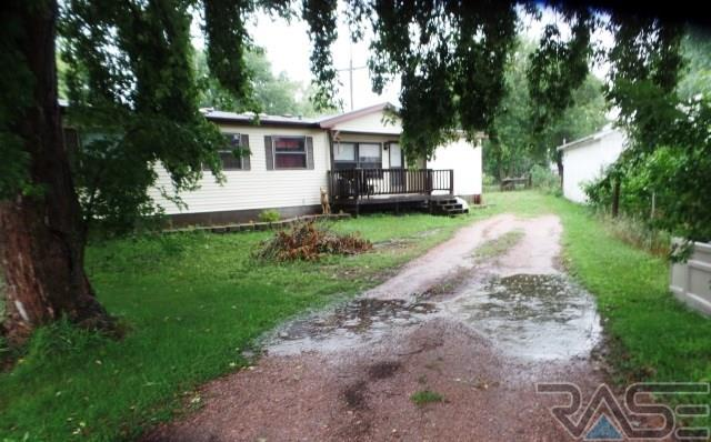 605 4th Ave, Chester, SD 57016