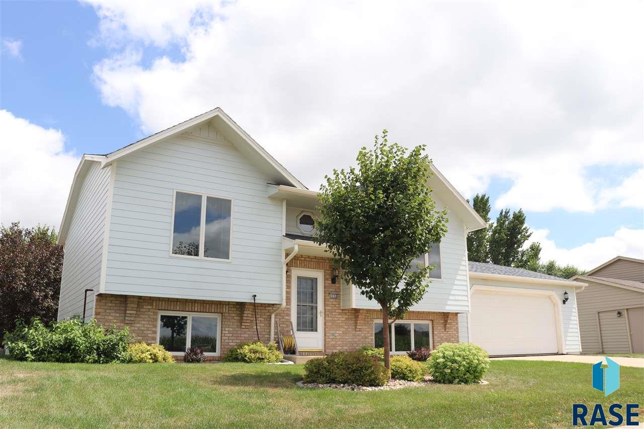 4008 S Sertoma Ave, Sioux Falls, SD 57106