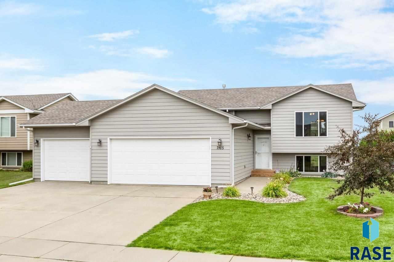 7105 W 68th St, Sioux Falls, SD 57106