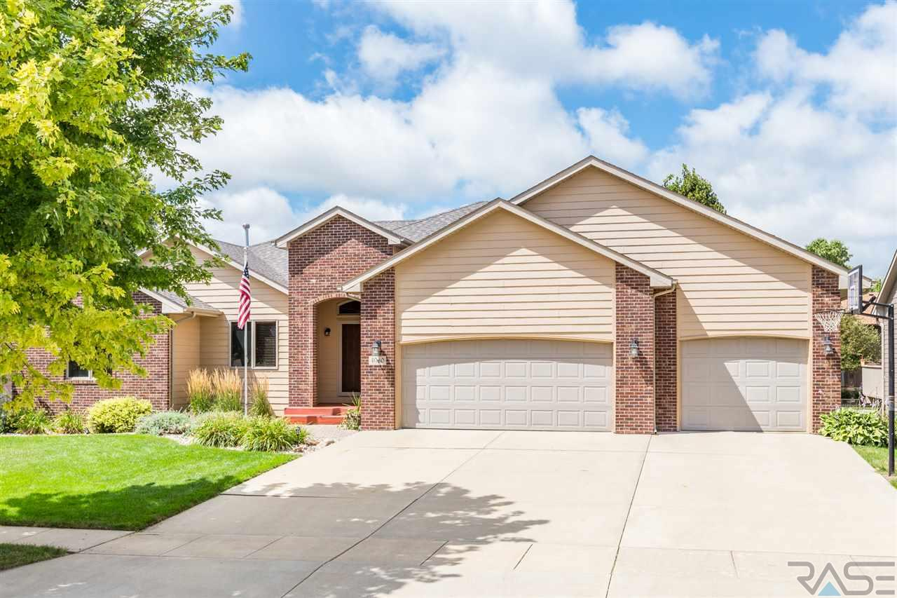 4060 S Tuscany Ct, Sioux Falls, SD 57103