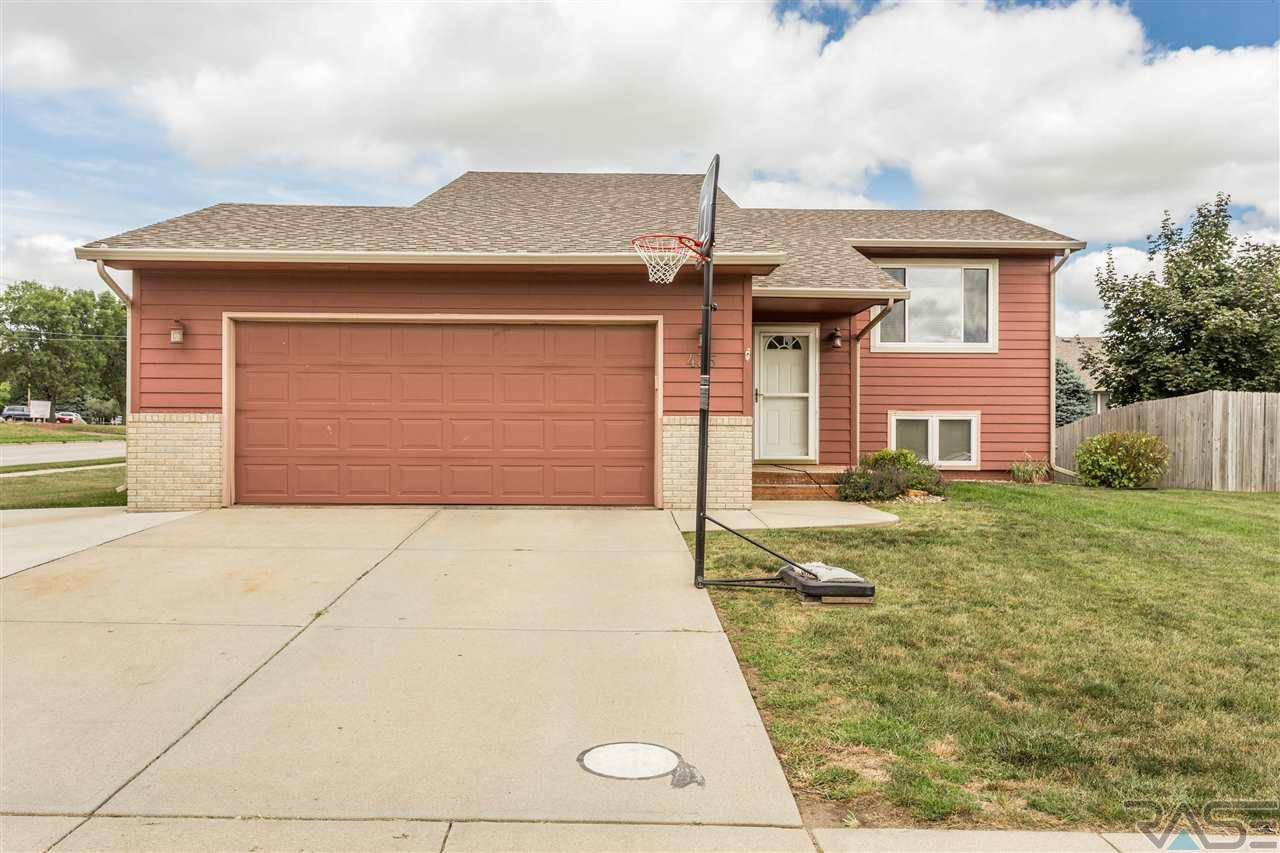 435 N Linwood Ct, Sioux Falls, SD 57103