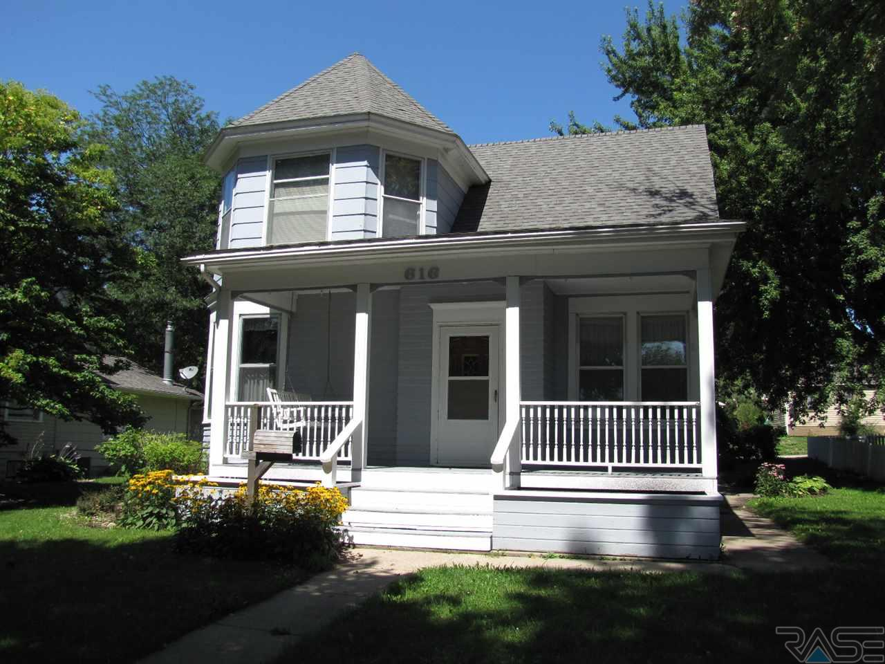 616 W Main St, Luverne, MN 56156