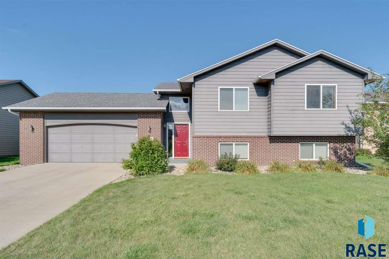 5628 W Mandy Ct, Sioux Falls, SD 57106