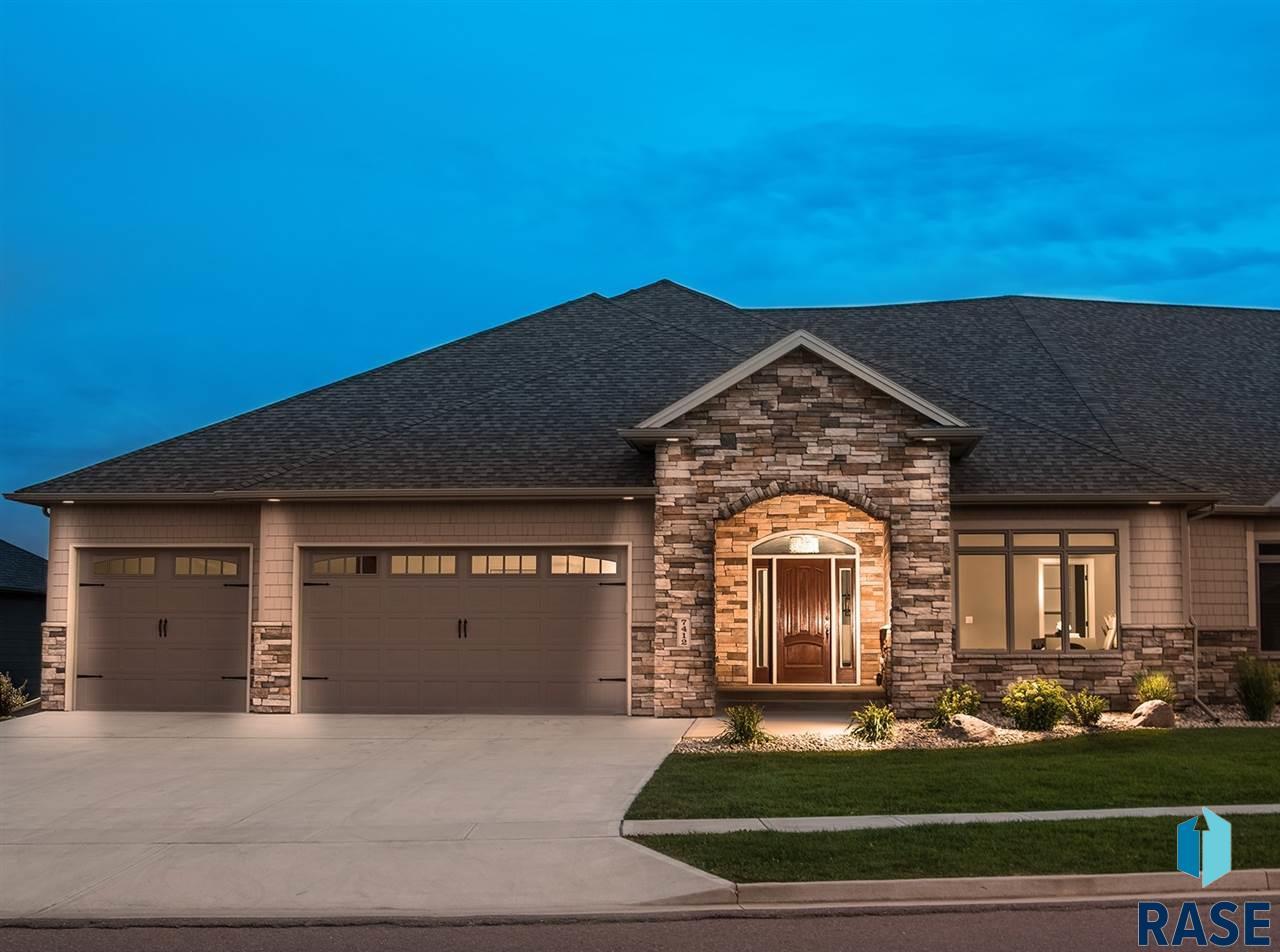7412 Grand Arbor Ct, Sioux Falls, SD 57108